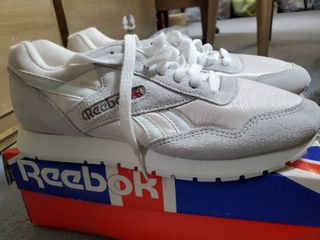 Very Clean Vintage 1995 Reebok Running Shoes Size 8 5 White Minty W  Box Classic 1000 A2