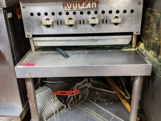 Vulcan Natural Gas Griddle With Stand On Casters