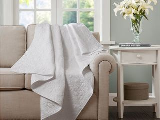 Madison Park Mansfield Oversized Quilted Throw   Retail   74 99
