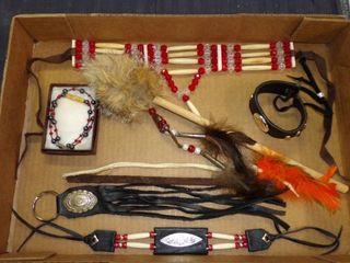 NATIVE AMERICAN STYlE DECOR AND JEWElRY