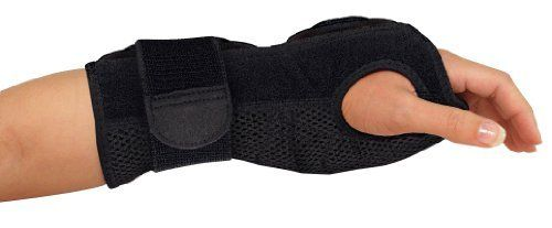 Mueller Night Support Wrist Brace  Black  One Size Fits Most   Wrist Brace for Sleeping