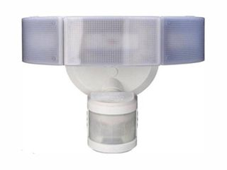 Defiant 270A 3 Head White lED Motion Outdoor Security light