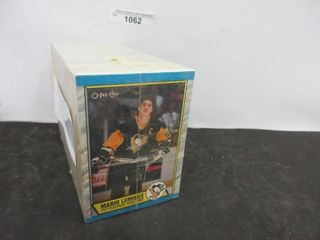 HOCKEY CARDS  1989 90  OPC  MARIO lEMIEUX
