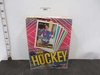 HOCKEY CARDS  1987 88  OPC  BUBBlE GUM