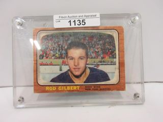 HOCKEY CARD  GIlBERT