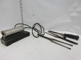 ANTIQUE HAIR CURlING IRONS