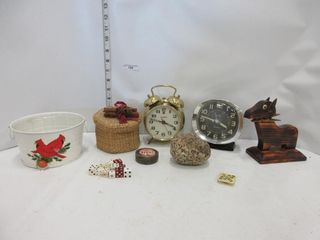 lOT  AlARM ClOCKS  DICE  MISC