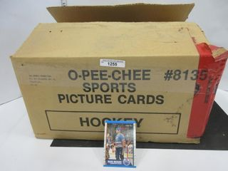 BOX OF HOCKEY CARDS  1989 90  OPC