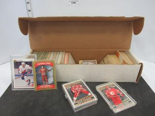 HOCKEY CARDS  ASSORTED