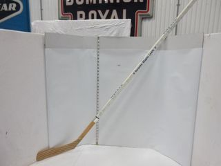 HOCKEY STICK  SIGNED BY TORONTO MAPlE lEAFS