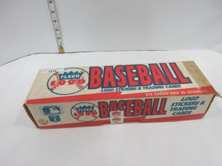 BASEBAll lOGO STICKERS   CARDS  1990  FlEER