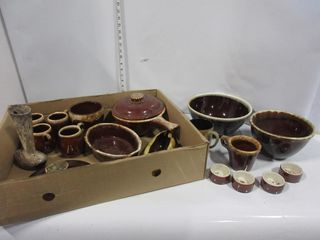 lOT  POTTERY BOWlS  MUGS  MISC