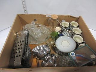 lOT  CUPS  SAUCERS  GRATER PlATES  MISC