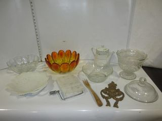 lOT  GlASS BOWlS  MISC