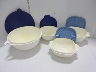 lOT  TUPPERWARE BOWlS