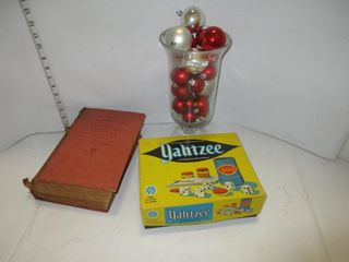 DICTIONARY  YAHTZEE  VASE OF CHRSTMAS BAllS