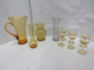 lOT  PITCHER  VASES  GlASSES