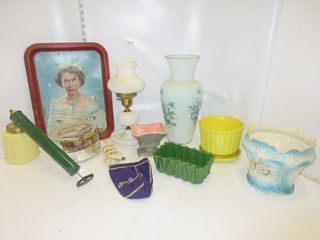 lOT  TRAY  lAMP  VASE  MISC