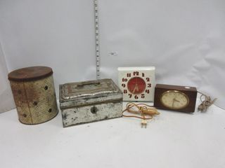 ClOCKS  CASH BOX  TIN