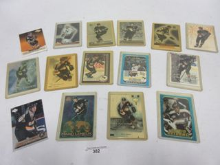 lOT  HOCKEY CARDS