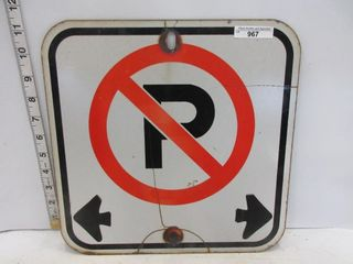 SIGN  NO PARKING DOUBlE ARROW