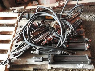 12 Used Hydraulic Cylinders Various Sizes