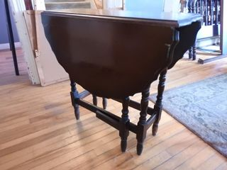 100 year Old Drop leaf Table   Mint Condition