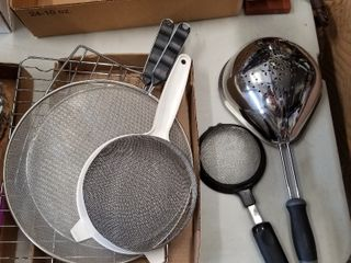 Assorted strainers and cooling rack