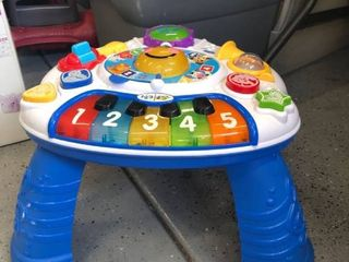 Standing musical activity play set