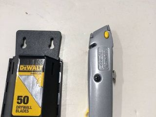 New Stanley Knife and Dwalt drywall blades