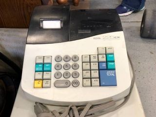Royal 225 CX cash register