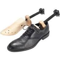 Bluestone Cedar Adjustable Shoe Tree Shape Holder 2 way Stretcher for Men