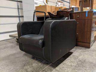 Belvedere Shampoo Chair