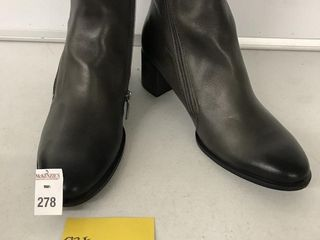 ECCO WOMENS BOOTS SIZE 7 7 5