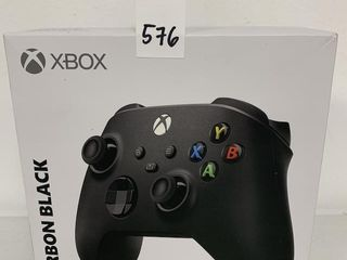 XBOX CARBON BlACK WIRElESS CONTROllER
