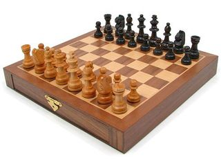 Inlaid Walnut Style Magnetized Wood Chess Set with Staunton Wood Chessmen