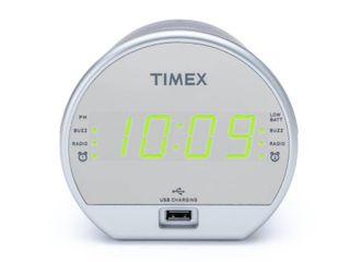 Dual Alarm FM Clock Radio w  USB Charging Battery Backup