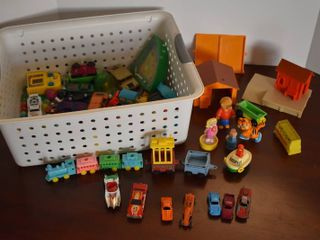 large lot of Assorted Plastic Die Cast Toys  Cars    More   Brands Include   Mattel  TootsieToy    More