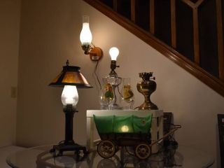 lot of 5 Assorted lamps and 2 Glass Oil lamp Shades