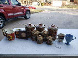 lot of 14 Assorted Cups  Jars    More