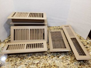 lot of 8 Metal Vent Covers   8  9 5  10  13 5  Wide