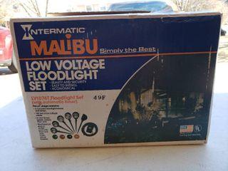 NIB Malibu low Voltage Floodlight Set   Model     lV1076T