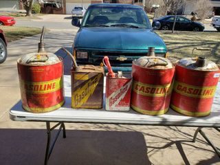 lot of 5 Assorted Metal Gas Cans