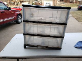 3 Drawer Plastic Storage Cabinet   Missing 2 Casters   24 x 16  x 26