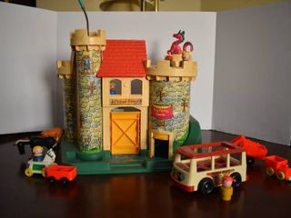 Vintage Fisher Price Play Family Castle   Includes 5 Vehicles  6 People  2 Horses  and a Dragon