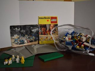 lot of Assorted lEGOs   Includes 2 Vintage Idea Instruction Books