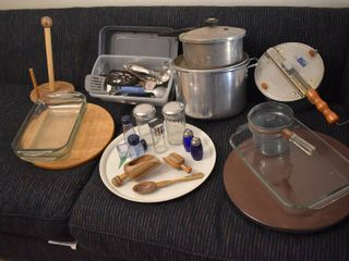 large lot of Assorted Kitchen Items   Brands Include   Pyrex