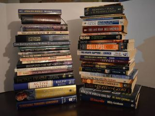 large lot of Assorted Religious Books   Authors Include   Billy Graham  David Jeremiah