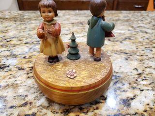 Vintage ANRI Carved Wooden Figures Music Box   Doctor Zhivago lara s Theme   Works