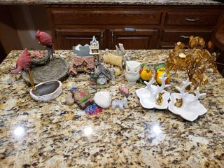 large lot of Assorted Home Decor Pieces   Birds  Houses    More